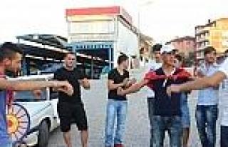 Asker Adayı Gençler Teyyare Meydanında Halaylarla...