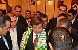 Başbakan Davutoğlu'ndan Şanliurfaspor'a Destek...