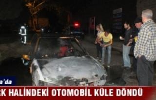 Bursa'da park halinde alev alan otomobil küle...