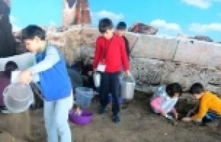 Büyükşehir'den Çocuklara Arkeoloji Atölyesi