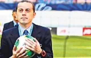 Cüneyt Çakır'ın kaderini Sneijder ve Kuyt belirleyecek