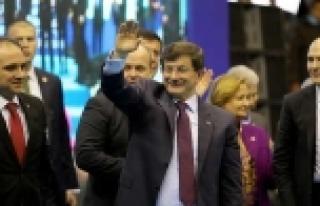 Davutoğlu müjdeyi Manisa'da verdi