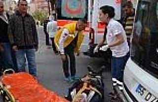 Dolmuş İle Motosiklet Çarpişti: 1 Yaralı
