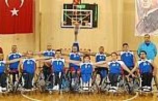 Engelli Basketçilerden Taraftara Çağri