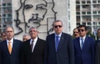 Erdoğan Jose Marti'nin mezarını ziyaret etti!