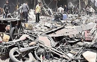 Esad pazar alanına saldırdı!
