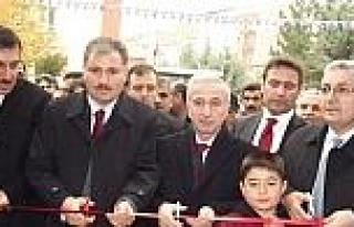 Esenlik Marketlerin Yeni Şubesi Törenle Açıldı