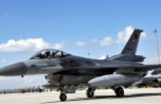 F-16 inişte pistten çıktı, pilot yaralandı