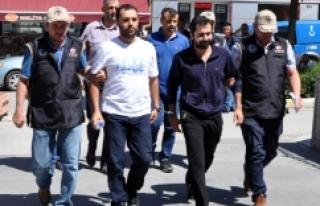 FETÖ operasyonunda gözaltına alınan 4 subay serbest...