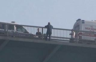 FSM Köprüsü'ndeki intihar girişimi trafiği...