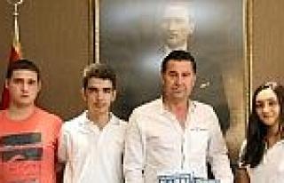 Gençler Başkan Kocadon'u Ziyaret Etti