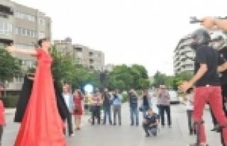Gezi'ye kırmızılı anma