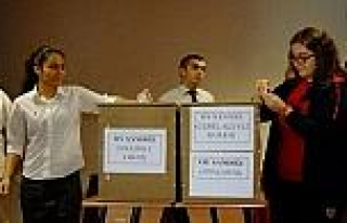 Gkv Özel Liseleri Öğrencileri Meclis Seçimini...