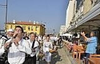 İzmir'de Balkan Şenliği Başladı