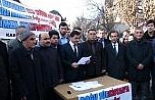 Kars Ülkü Ocakları 300 Uygur Türk'ünün Türkiye'ye...