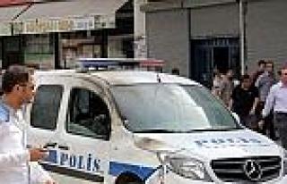 Kaza İhbari Yapıp Polise Molotof Attılar
