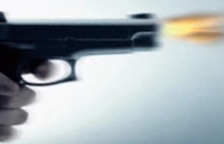 Mersin'de parkta iki sevgiliye silahlı saldırı