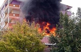 Patlama mahalleyi sokağa döktü