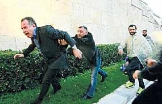 Pontus gösterisinde vekile saldırı