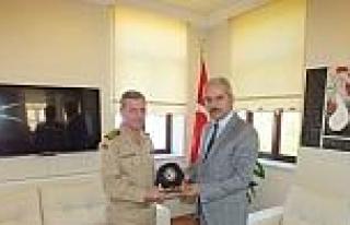 Sahil Güvenlik Bölge Komutanı'ndan Kaymakam Aksoy'a...