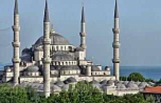 Sultanahmet Camii'ne helikopter kamerası çarptı