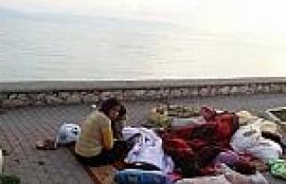 Suriyeli Ailelerin Mudanya Sahili'ndeki Çaresizliği