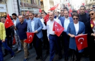Taksim'de tüm Türkiye tek yürek!