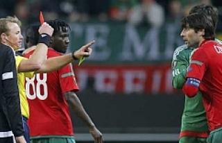 UEFA'dan Corluka'ya 4 maç ceza!