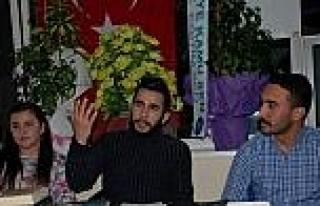 Ünlü Türk Yazar Adsız Anıldı