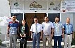 Vali Tapsız, Dondurma Üretim Tesisini Ziyaret Etti