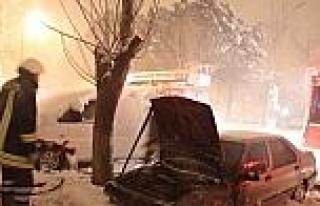 Yıl Başı Gecesi Yanan Lpg'li Otomobil Korkuttu