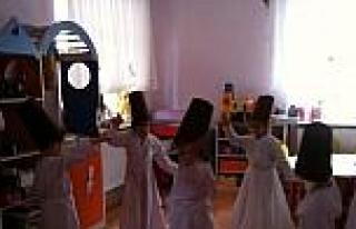 Yozgat'ta Minik Semazenler Mevlana'yı Andı