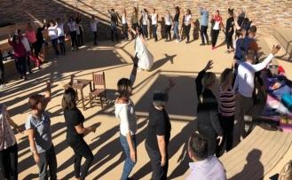 Göbeklitepe'de turist kafilesinden kundalini yoga
