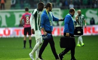 Bursaspor'a şok! Sakho ilk yarıyı kapattı