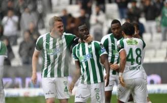 Bursaspor'da gol yükünü orta alan oyuncuları sırtlıyor