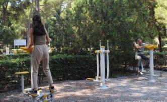 Parklardaki spor aletlerinde büyük tehlike!