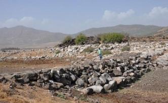 Baraj suyu çekilince arkeoloji parkı yeniden ortaya çıktı!