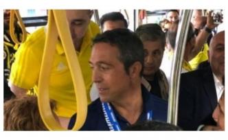 Ali Koç deplasman otobüsünde!