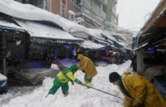 Osmangazi'de karla mücadele kesintisiz devam ediyor