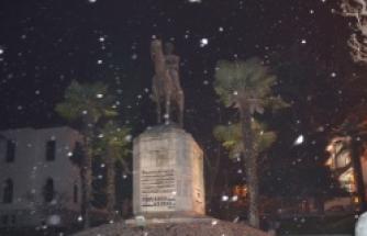 Bursa'da kar etkili oluyor