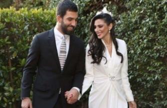 2 ay önce evlenmişlerdi... Arda baba oluyor
