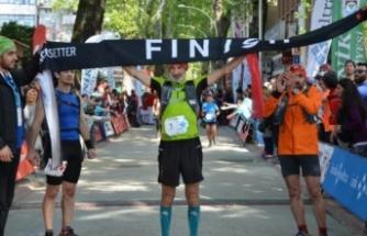 Afrin şehitleri için Bursa'da 140 kilometre koştu
