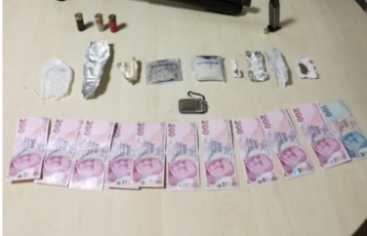 Bursa'da uyuşturucu operasyonu... Kıskıvrak yakalandılar!