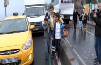 İki otobüs çarpıştı... 19 öğrenci yaralı!