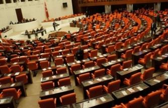 İYİ Parti geldi böyle oldu... Meclis'te yer kavgası