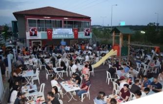Tophane Rotary geleneksel iftarında 19 Mayıs'ı gençlerle kutladı