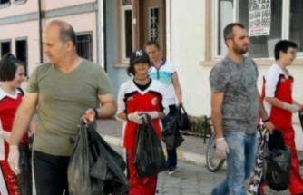 Bursa'da sporculardan temizlik