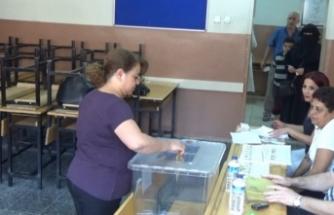 Bursalılar oy vermeye başladı!