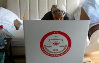 Türkiye'de bir ilk! Sandıklar seçmenin ayağına gidiyor!
