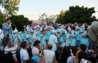 Bursa'da şehit polisin anısına 100 çocuk sünnet ettirildi